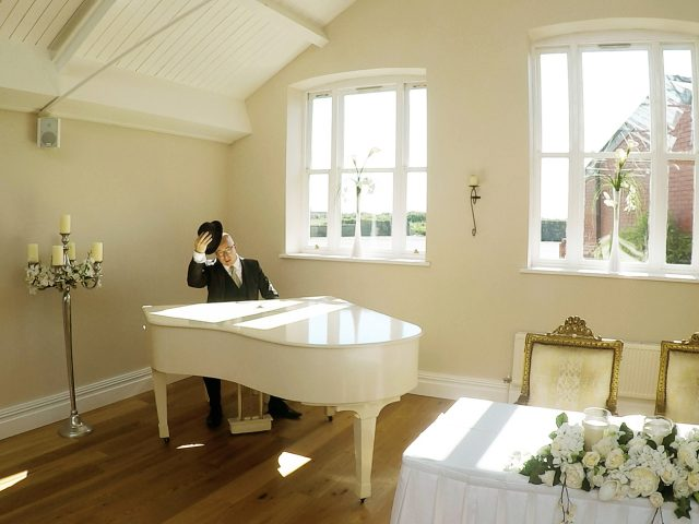 Pianist_Wirral_wedding_ceremony